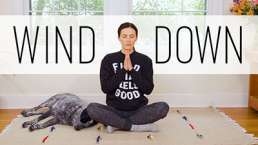 Wind Down Yoga - 12 Minute Bedtime Yoga